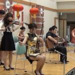 伝統楽器の演奏